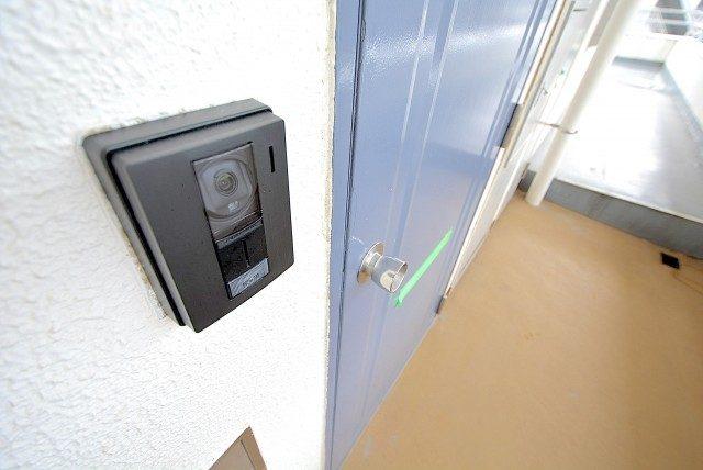 ③ウエスト経堂マンション 玄関