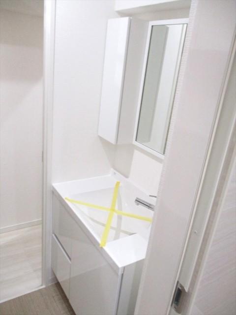 月島四丁目住宅洗面所