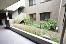 コスモ用賀 中庭