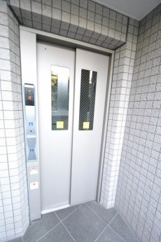 クオス銀座エスト・ドゥジエーム エレベーター