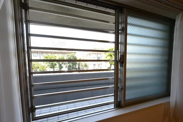 銀座エスト・ドゥジエーム洋室1 窓
