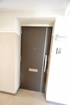 中銀若林マンシオン 玄関ドア