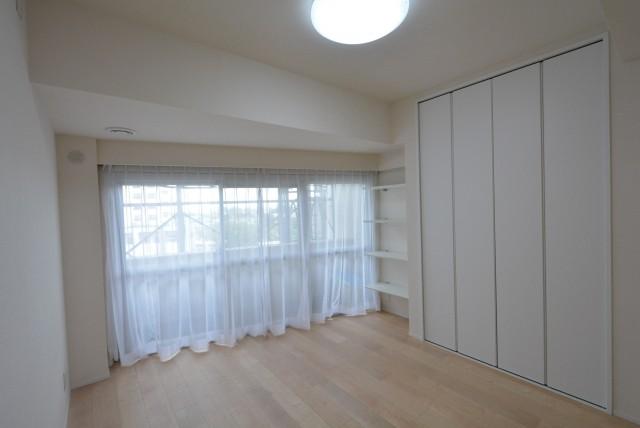 ライオンズマンション駒沢 洋室1