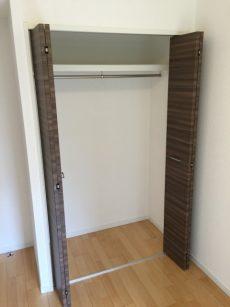 桜丘フラット 洋室5.2帖クローゼット