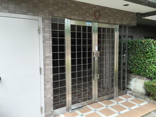 桜丘フラット 建物入口