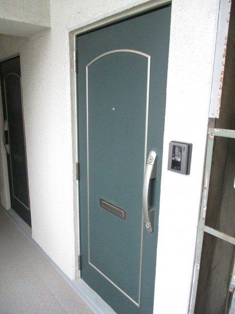 1恒陽馬込マンション玄関