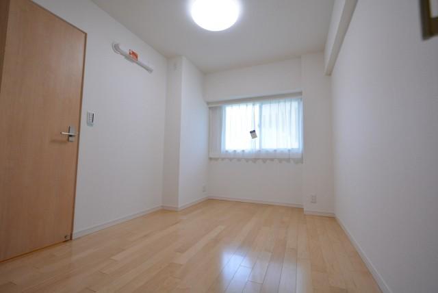 ネオコーポ芦花公園206 洋室1