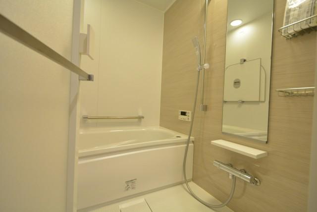 マンション駒場301号室 バスルーム