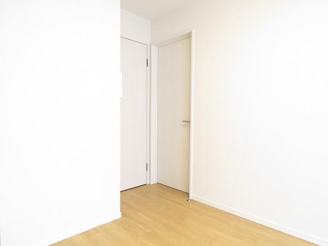 フロイント麻布 洋室扉