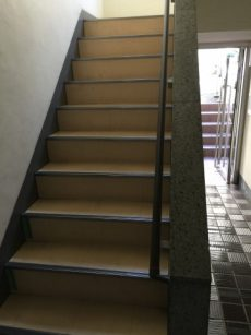 瀬田サンケイハウス 階段