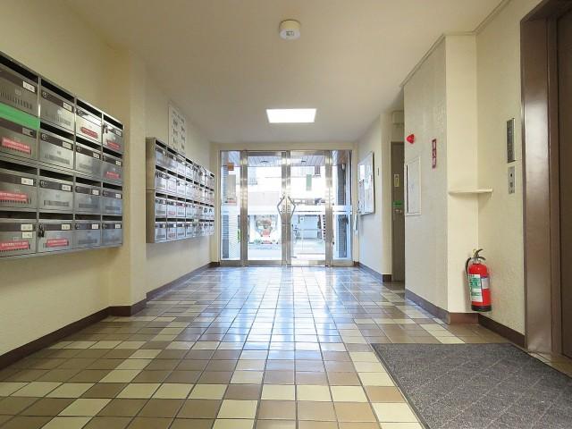 玉川コーポラス エントランスホール