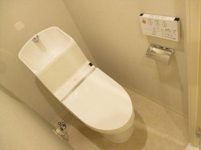 日商岩井方南町マンション104 トイレ