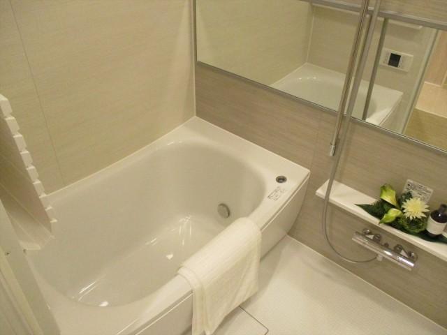 ソルシエ月島10浴室