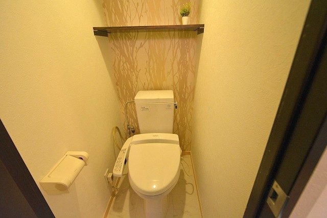 ビュラ田園調布202号室 トイレ