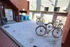 ハイラーク芦花公園 自転車置き場