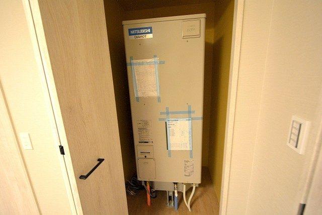 自由ヶ丘第5マンション702 温水器 (2)
