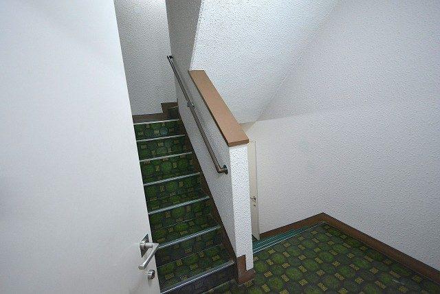 自由ヶ丘第5マンション702 階段 (3)