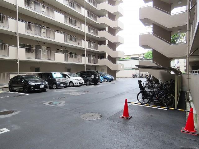 飯田橋第一パークファミリア 駐車場・駐輪場