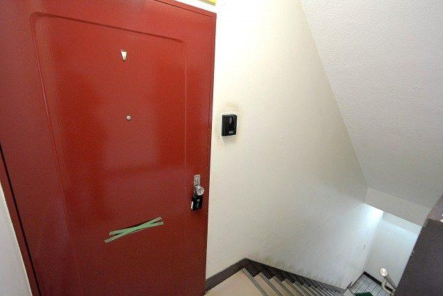 ファインライフ駒場2F 玄関