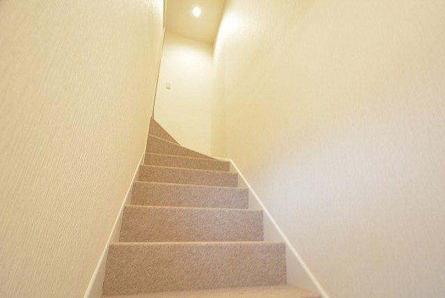 経堂セントラルマンション3F 階段