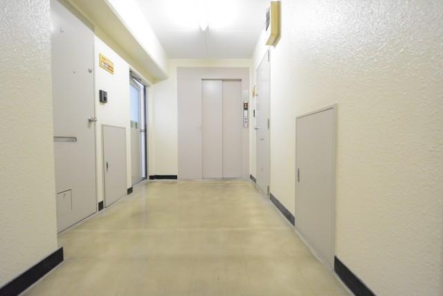 芦花公園ヒミコマンション 内廊下