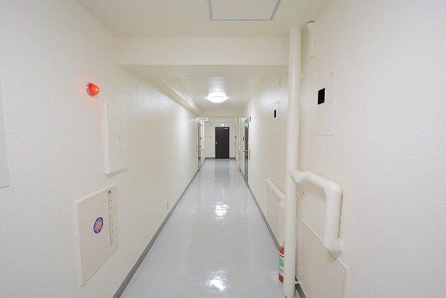 チサンマンション原宿 内廊下