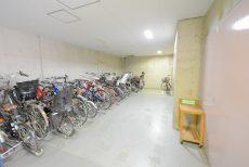 目黒青葉台グランドハイツ (5)駐輪場