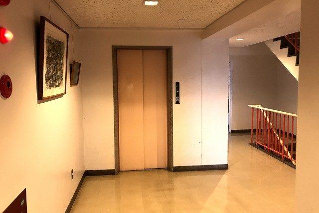 マンション市ヶ谷 (10)廊下