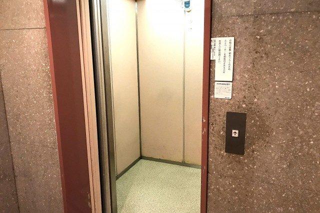 マンション市ヶ谷 (8)廊下
