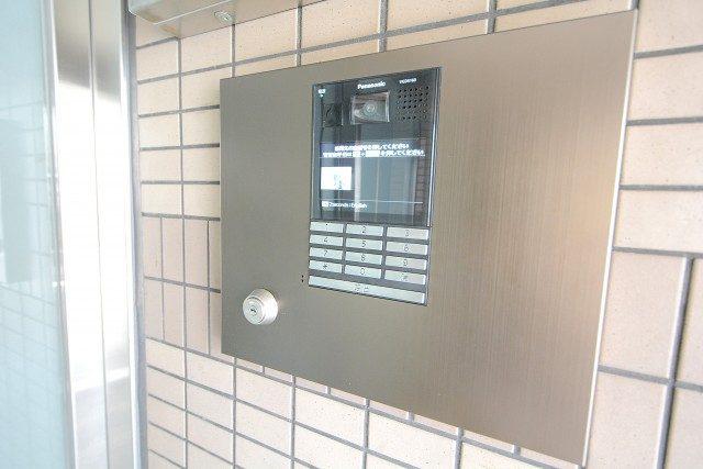 ライオンズマンション渋谷本町111(10) エントランス
