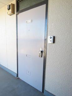 用賀コーポラス 玄関扉