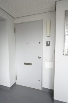 クレセントマンション 玄関