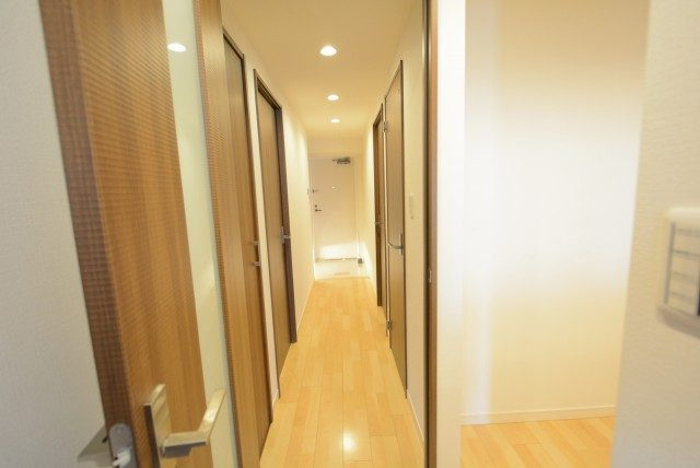 WISE222 廊下