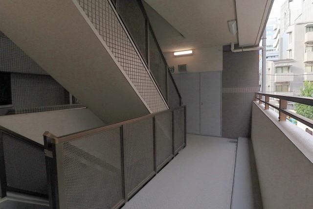 イトーピアアルファシティ池袋 外廊下