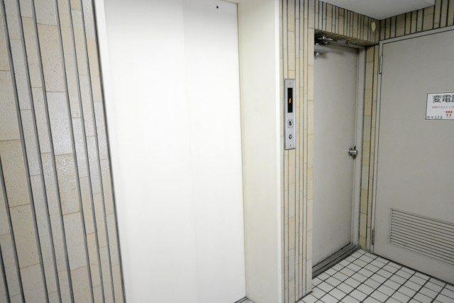 中銀マーブルマンシオン新宿五丁目 エントランス
