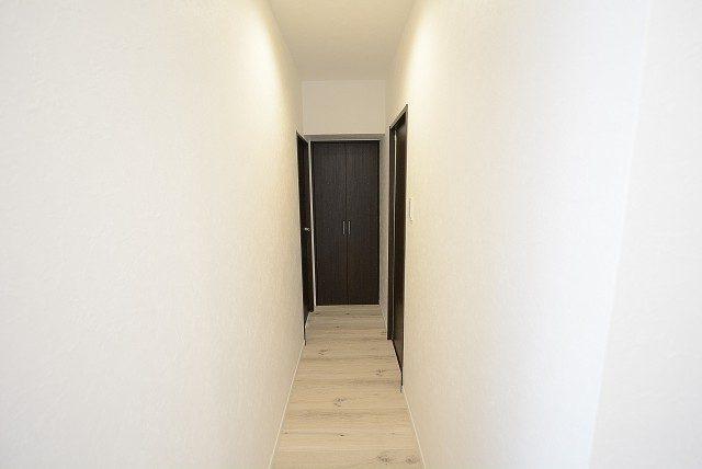 南平台マンション 廊下