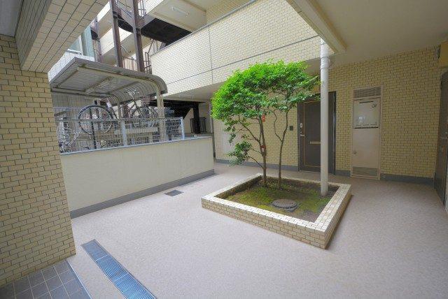 コスモ東長崎 エントランス