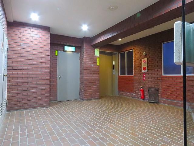 セザール第2中目黒 エントランスホール