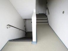 上野毛ハイム 共用階段