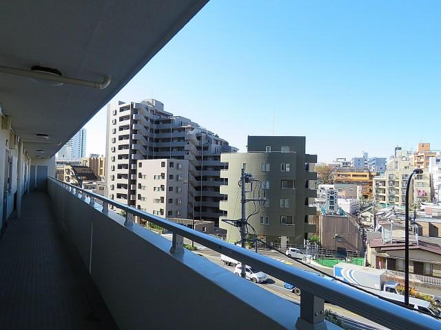 松見坂武蔵野マンション 共用廊下