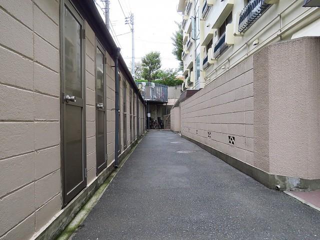 瀬田サンケイハウス エントランス前通路