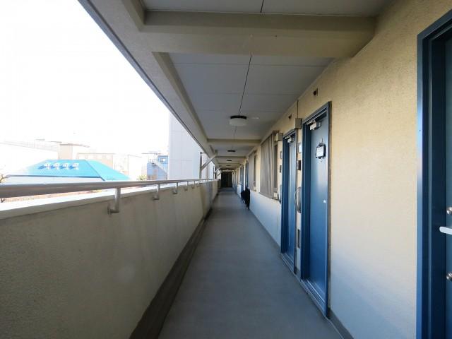 馬事公苑前ハイム 共用廊下