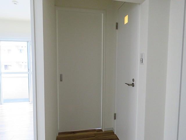 シャトレー五反田 洋室扉