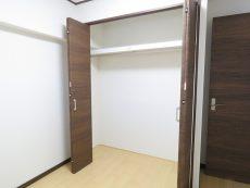 烏山南住宅 洋室約4.2帖