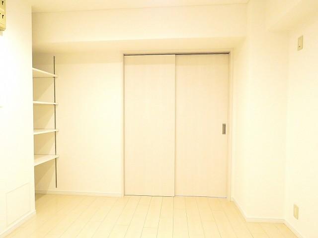 五反田サニーフラット 洋室約8.5帖扉