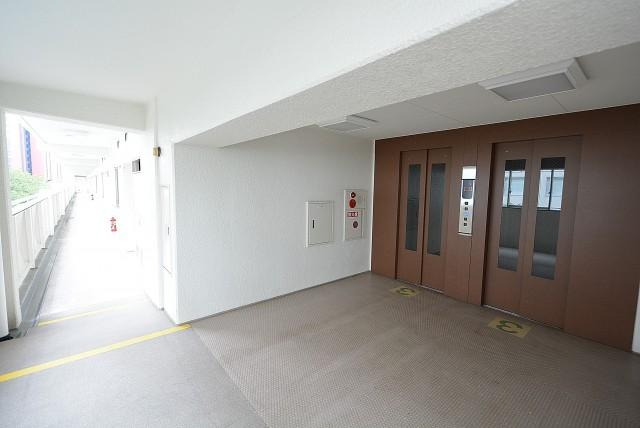 三田ナショナルコート 廊下
