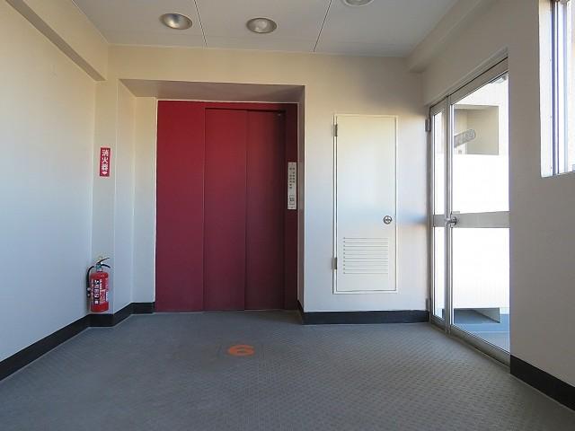 ライオンズマンション上野毛 エレベーターホール