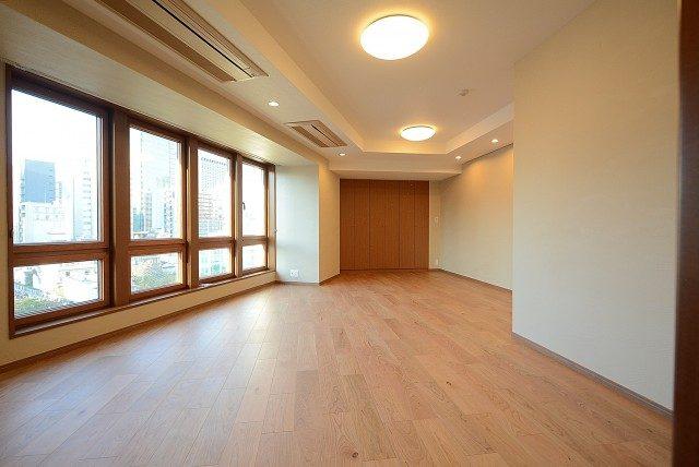 青山ザ・タワー 洋室