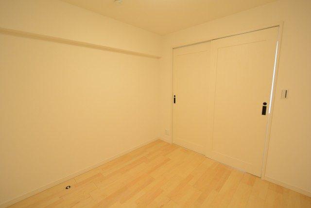 西新宿ハウス 洋室2