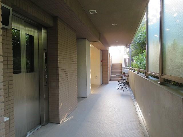 コージーコート二子玉川 共用廊下